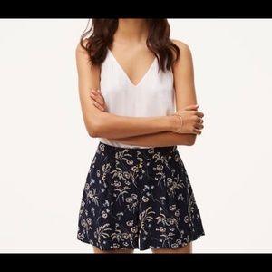 LOFT Dressy Shorts with Pockets size 4